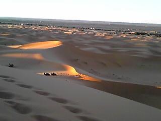 サハラ砂漠は広かった。