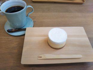 中川ワニ珈琲とチーズケーキ